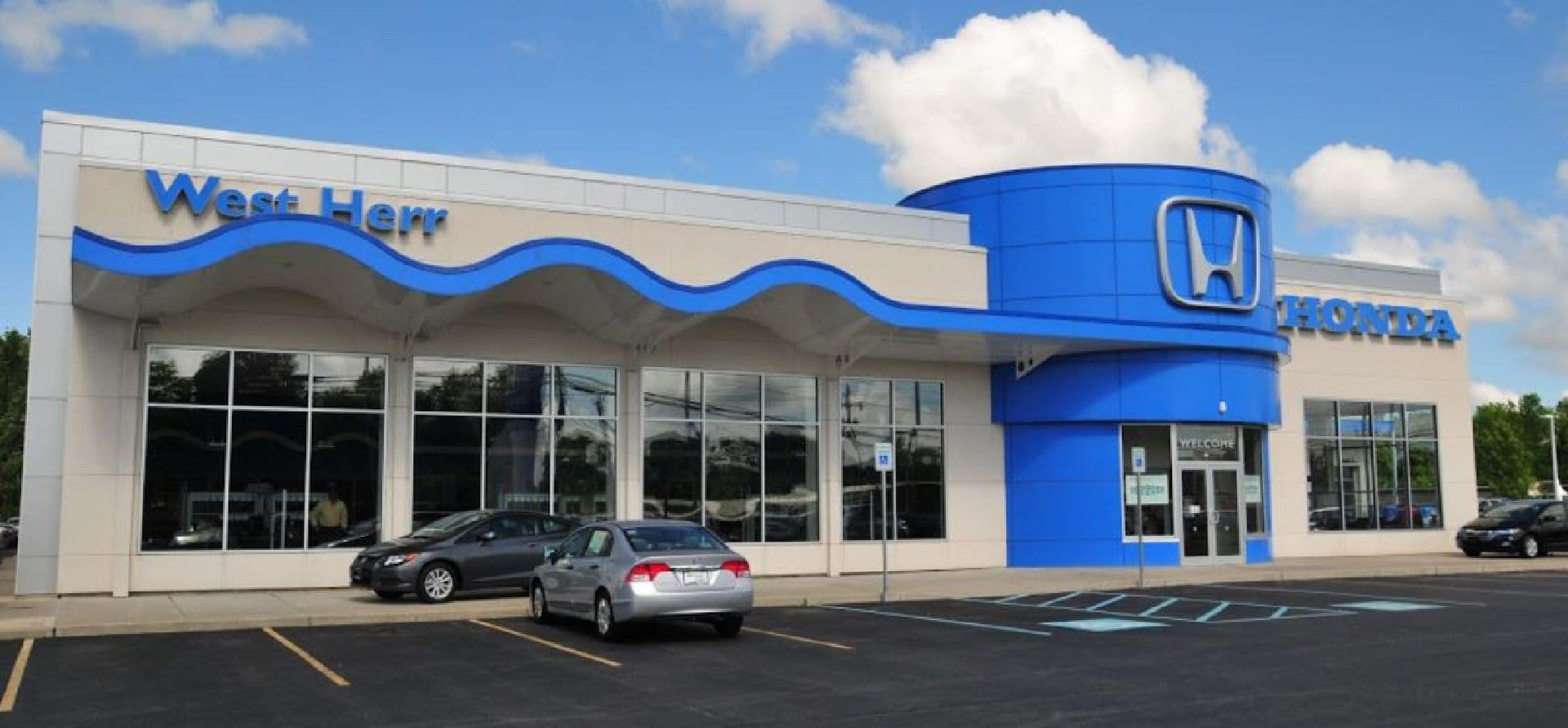 West Herr Honda, dealership exterior