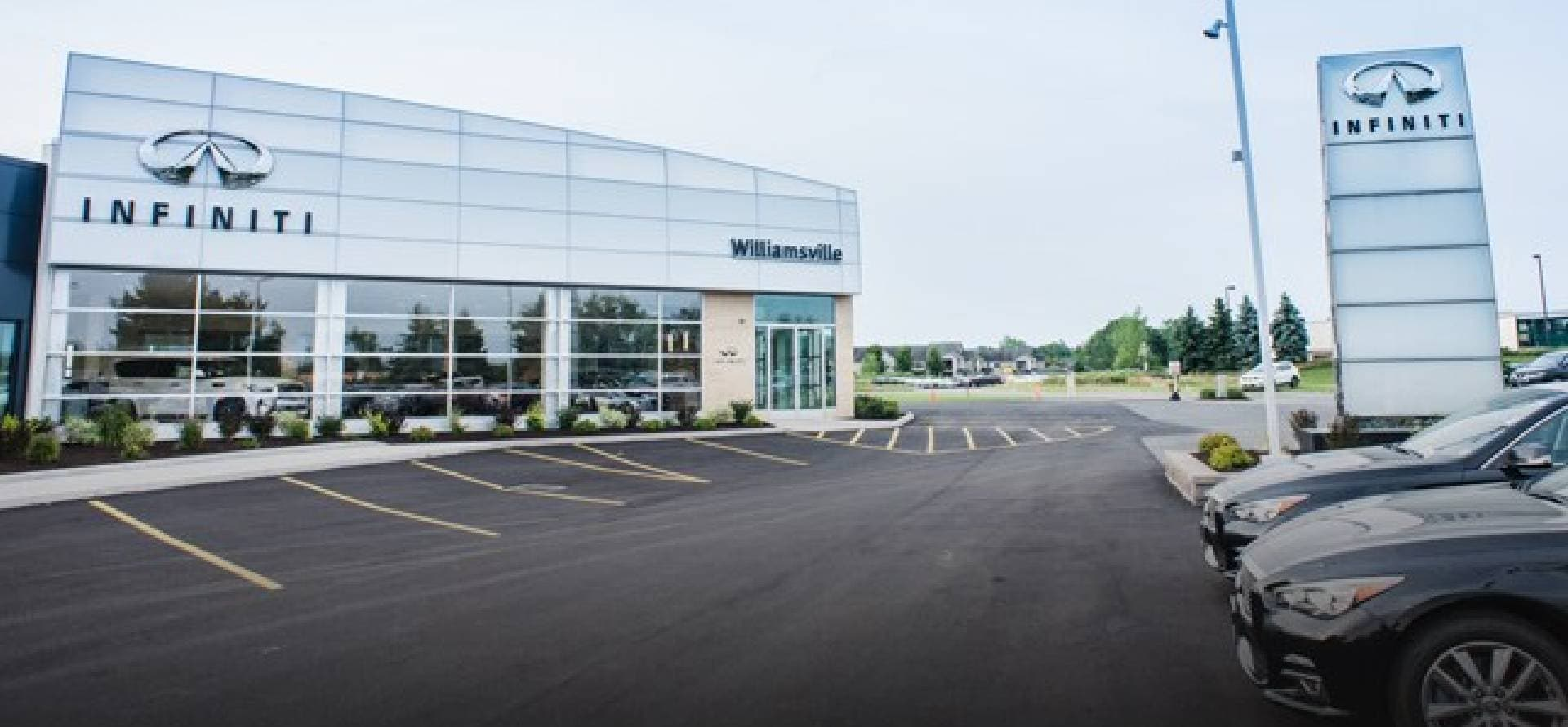 West Herr Infiniti, dealership exterior