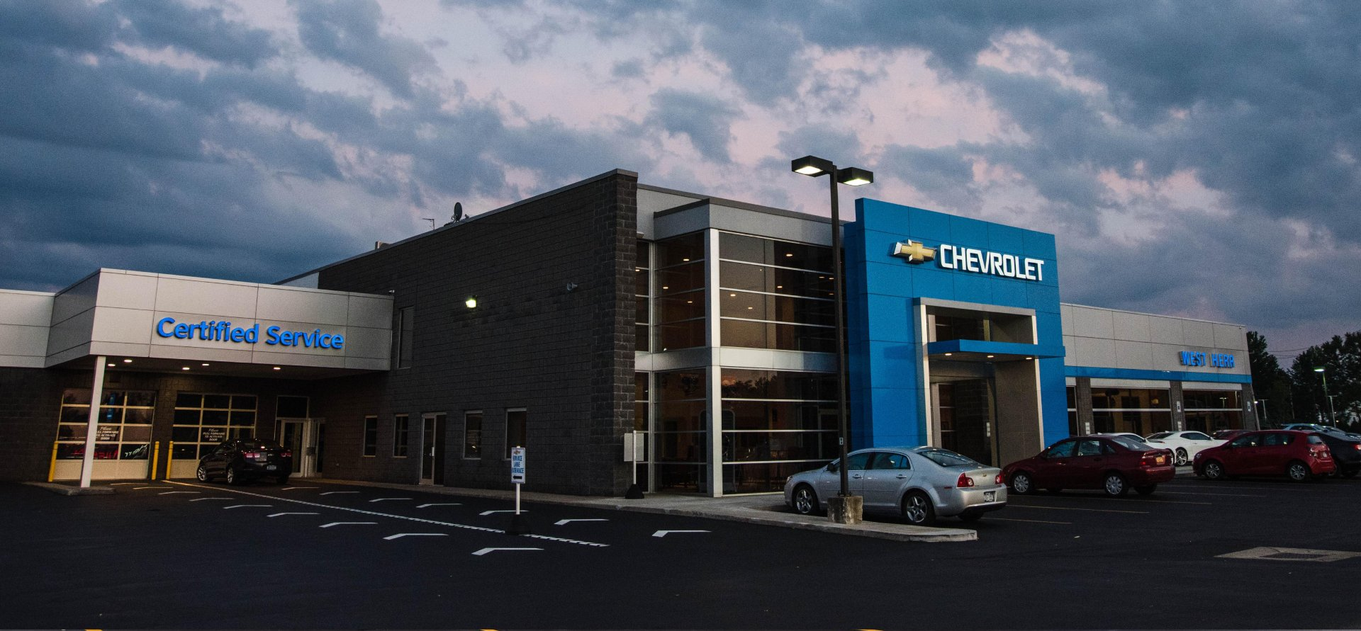 West Herr Chevrolet orchard Park, dealership exterior