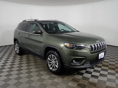 New 2019 Jeep Cherokee LATITUDE PLUS 4X4 Sport Utility JOC19581 near Buffalo, NY
