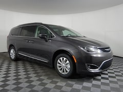 New 2019 Chrysler Pacifica TOURING L Passenger Van JOT19751 near Buffalo, NY