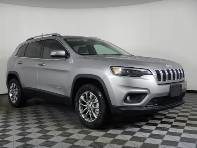 New 2019 Jeep Cherokee LATITUDE PLUS 4X4 Sport Utility near Buffalo, NY