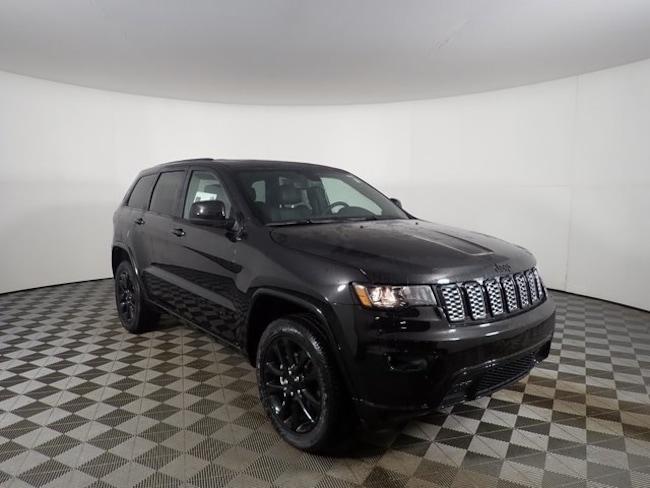 New 2019 Jeep Grand Cherokee ALTITUDE 4X4 Sport Utility near Buffalo, NY