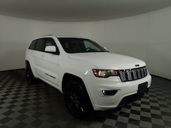 New 2019 Jeep Grand Cherokee ALTITUDE 4X4 Sport Utility JOG191258 near Buffalo, NY