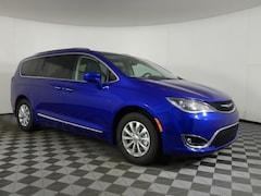 New 2019 Chrysler Pacifica TOURING L Passenger Van JOT19742 near Buffalo, NY