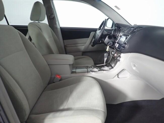 Toyota Highlander Seating >> Used 2013 Toyota Highlander For Sale At West Herr Nissan