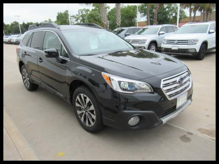Certified Pre-Owned 2017 Subaru Outback 2.5i Limited SUV R130 in Houston, TX