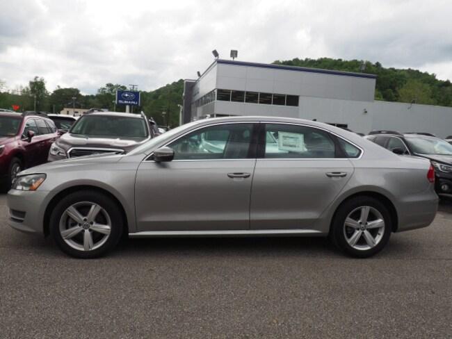 2012 Volkswagen Passat TDI SE TDI SE  Sedan 6A w/ Sunroof and Navigation