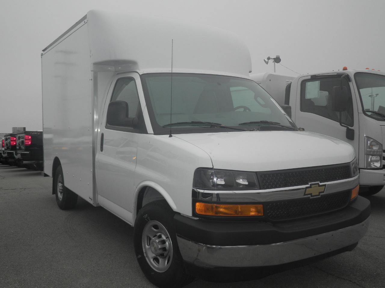 2018 Chevrolet Express Cutaway 1WT Truck