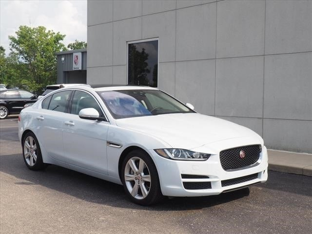 2017 Jaguar XE 25t Prestige Sedan