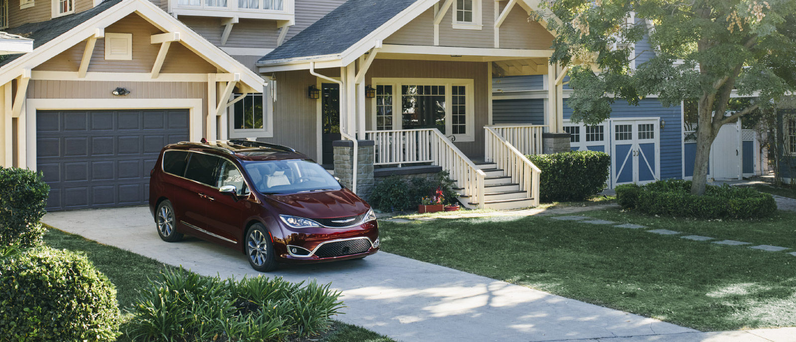 2017 Chrysler Pacifica Exterior Red