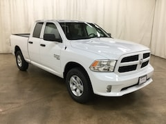 New 2019 Ram 1500 CLASSIC EXPRESS QUAD CAB 4X4 6'4 BOX Quad Cab Barrington Illinois