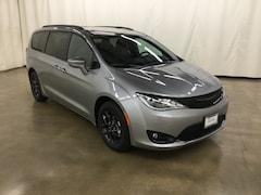 New 2019 Chrysler Pacifica Passenger Van Barrington Illinois