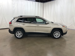 Used 2015 Jeep Cherokee Latitude 4x4 SUV Barrington Illinois