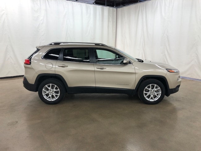Used 2015 Jeep Cherokee Latitude 4x4 SUV For Sale Barrington Illinois