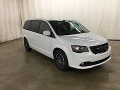 New 2019 Dodge Grand Caravan SE PLUS Passenger Van Barrington Illinois