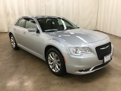 New 2019 Chrysler 300 TOURING L AWD Sedan Barrington Illinois