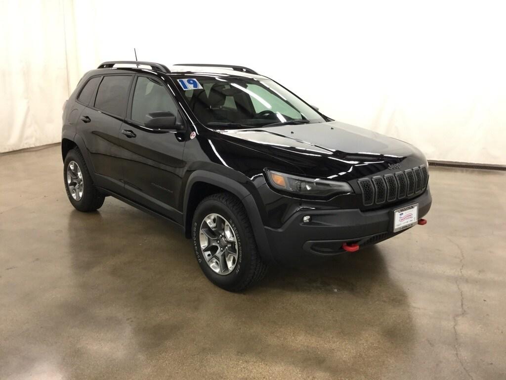 Used 2019 Jeep Cherokee Trailhawk 4x4 SUV Barrington Illinois
