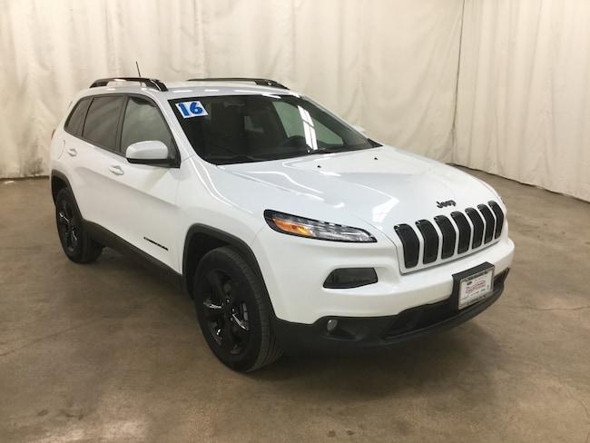 Used 2016 Jeep Cherokee Latitude 4x4 SUV For Sale Barrington Illinois