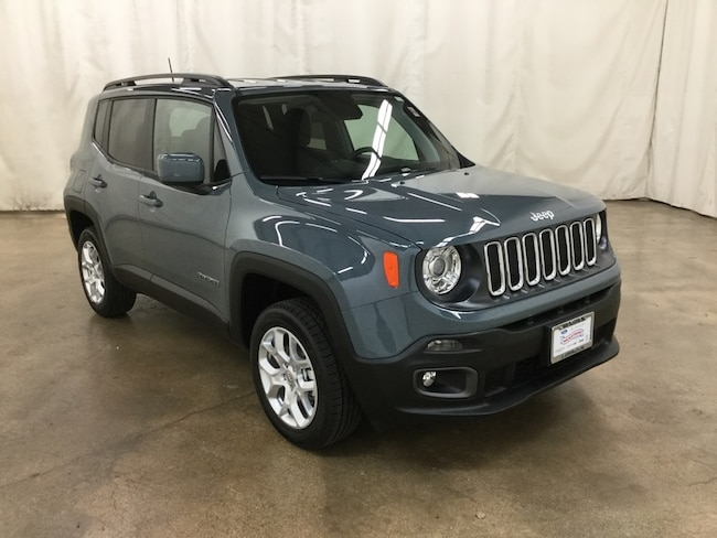 New 2018 Jeep Renegade LATITUDE 4X4 Sport Utility Barrington IL