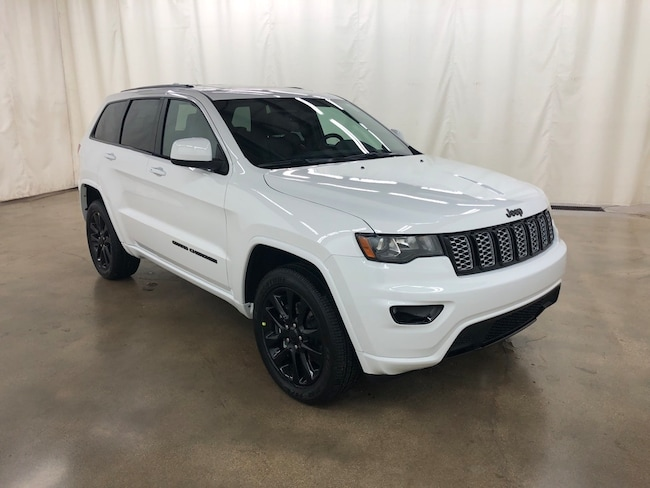 New 2019 Jeep Grand Cherokee ALTITUDE 4X4 Sport Utility Barrington IL