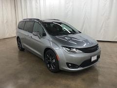 New 2019 Chrysler Pacifica TOURING L PLUS Passenger Van Barrington Illinois