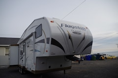 2012 Flagstaff by Forest River 8528ckws