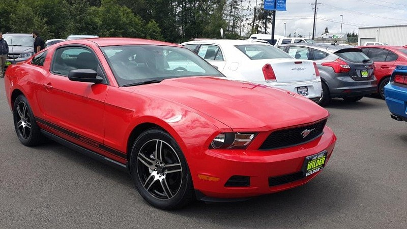 2010 Ford Mustang V6 Premium Sporty Car