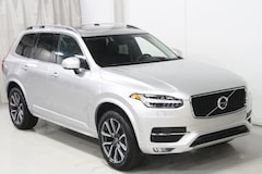 New 2019 Volvo XC90 T6 Momentum SUV V197045 in Des Moines, IA