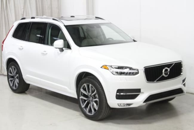 New 2019 Volvo XC90 T6 Momentum SUV V197044 in Des Moines, IA