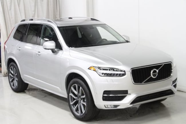 New 2019 Volvo XC90 T6 Momentum SUV V197063 in Des Moines, IA