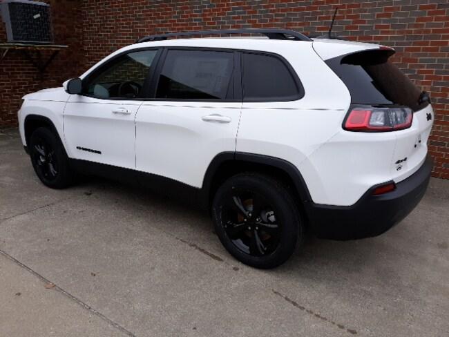 New 2019 Jeep Cherokee ALTITUDE 4X4 Sport Utility for sale in Clinton, IL