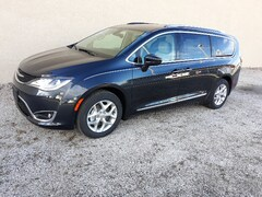 New 2019 Chrysler Pacifica TOURING L Passenger Van 1930 For sale in Clinton, IL