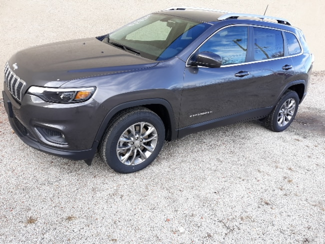 New 2019 Jeep Cherokee LATITUDE PLUS FWD Sport Utility for sale in Clinton, IL