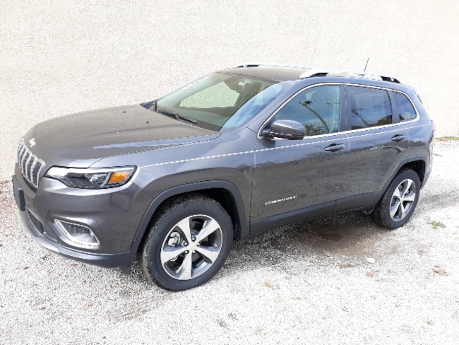 New 2019 Jeep Cherokee LIMITED 4X4 Sport Utility for sale in Clinton, IL
