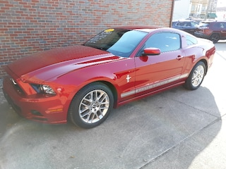 Used 2013 Ford Mustang Coupe Rear-wheel Drive 6-Speed Automatic For sale in Clinton, IL