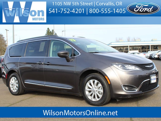 Used 2017 Chrysler Pacifica Touring-L Passenger Van in Corvallis, OR