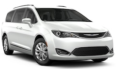 New 2019 Chrysler Pacifica TOURING L PLUS Passenger Van 19017M for sale in Carroll, IA