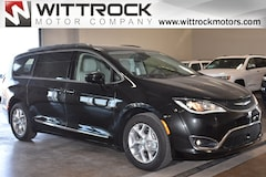 New 2019 Chrysler Pacifica TOURING L PLUS Passenger Van 19007M for sale in Carroll, IA