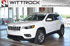 New 2019 Jeep Cherokee LATITUDE PLUS 4X4 Sport Utility 19003J for sale in Carroll, IA