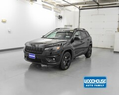 New 2019 Jeep Cherokee ALTITUDE 4X4 Sport Utility 1C4PJMLB9KD293795 for sale in Blair, NE