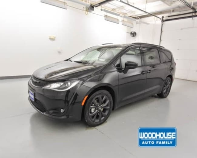 New 2019 Chrysler Pacifica TOURING L PLUS Passenger Van for sale in Blair, NE