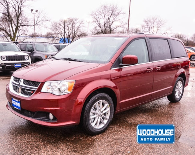 New 2019 Dodge Grand Caravan SXT Passenger Van in Sioux City
