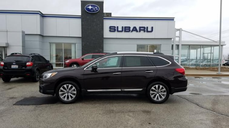 Used 2017 Subaru Outback 2.5i Touring Sport Utility 4S4BSATC6H3265431 in Savoy, IL
