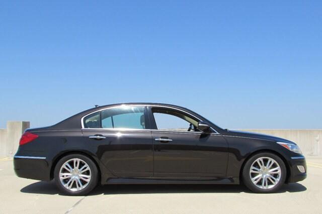 2014 Hyundai Genesis 3.8 Sedan