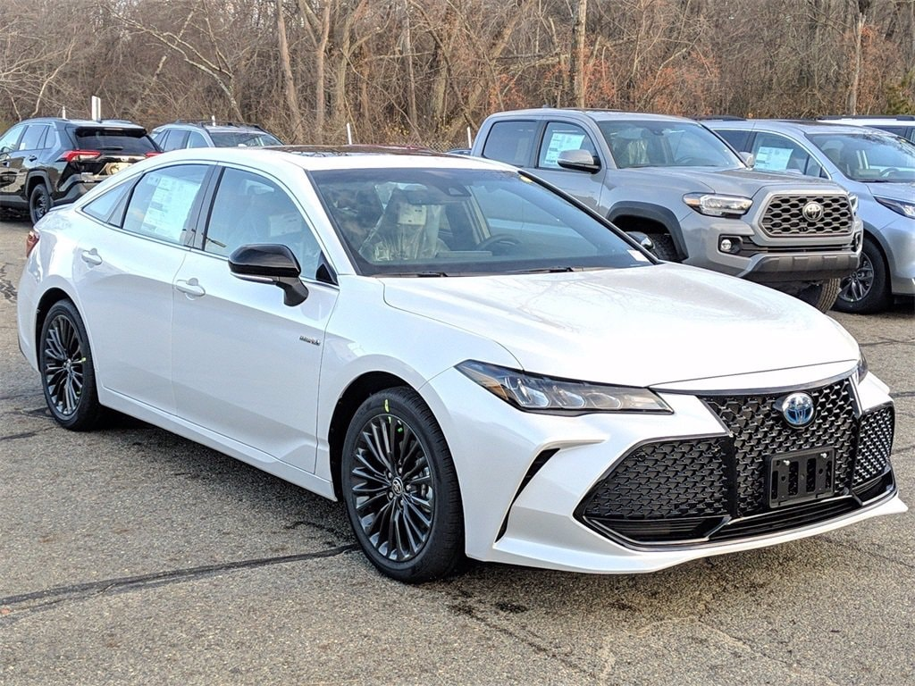 2021 Toyota Avalon Hybrid Sedan