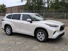 New 2021 Toyota Highlander LE SUV For Sale in Woburn, MA