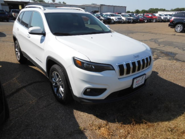 New 2019 Jeep Cherokee LATITUDE PLUS FWD Sport Utility Dalhart