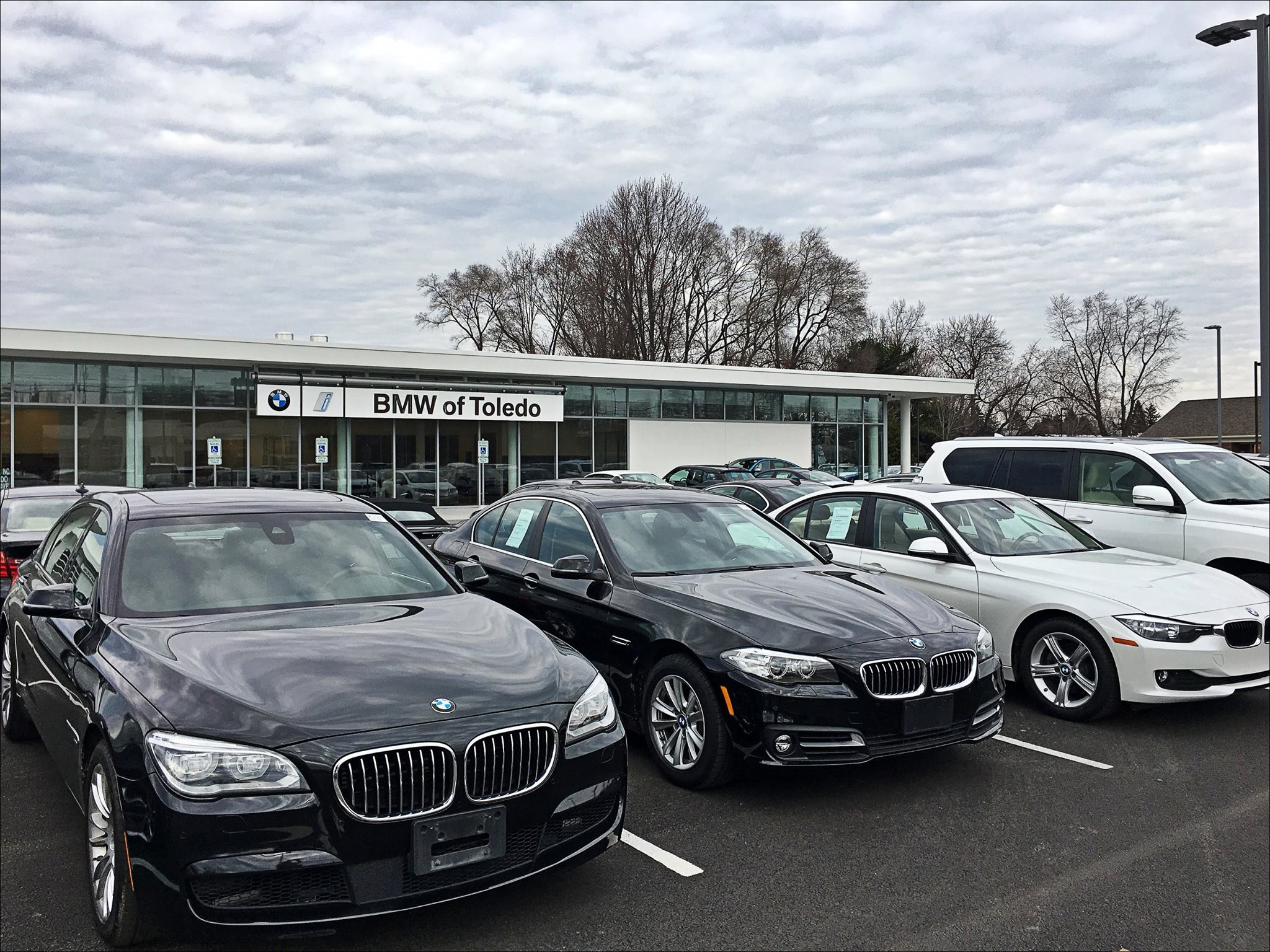 yark automotive group yark auto unveils new bmw of toledo dealership