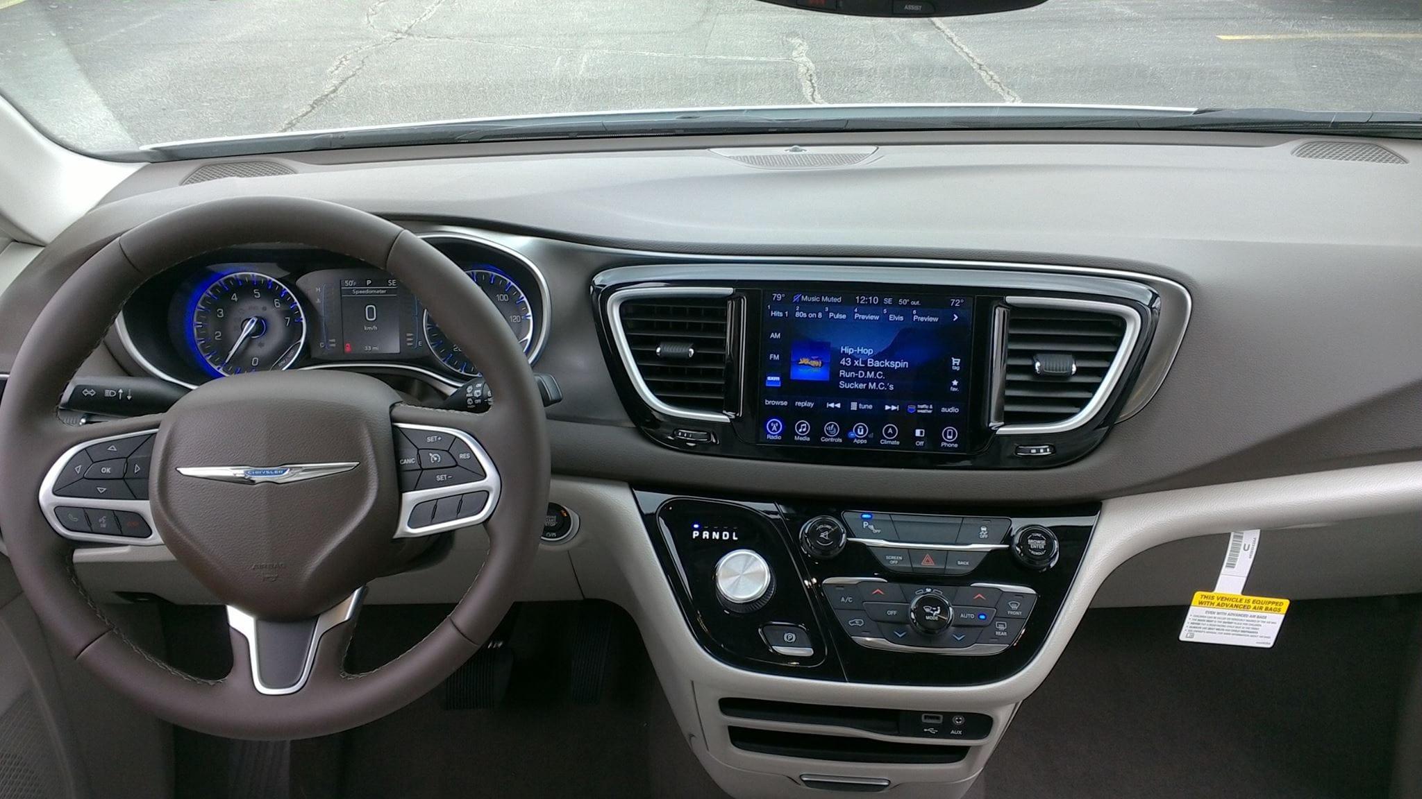 2017 Chrysler Pacifica Interior